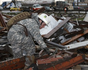 A_U.S._Soldier_with_the_63rd_Civil_Support_Team_Oklahoma_Army_National_Guard_conducts_search_and_rescue_operations_May_21_2013_in_Moore_Okla_130521-Z-BB392-507
