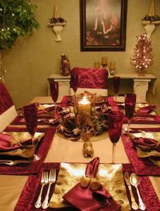 tischdeko-zu-weihnachten-kerzen-stoffserviette-gold2