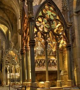 LN_ES_Cap_VII_03_Sepulcro_Pedro_III_de_Aragon