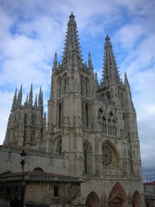 800px-Catedral_de_Burgos-Fernán_González
